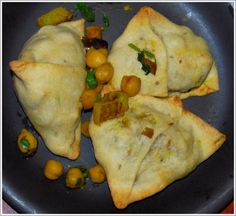 Baked Samosas with Chickpea Filling. Perfect finger food. Vegan.