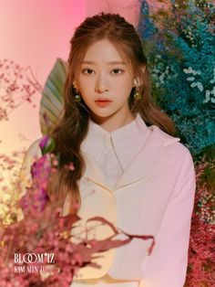 The IZ*ONE girls have transformed into elegant queens for their next release 'BLOOM*IZ' and members Eunbi, Chaeyeon, and Minju are proving that they'…