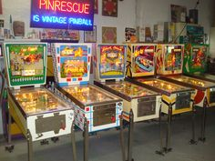 Pinball! This is what pinball machines looked like when I started playing them at the bowling alley while my parents bowled. Early '70s or so... #pinball