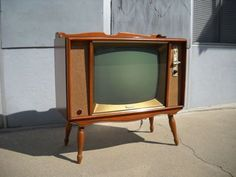 vtg Magnavox tube TV set 1960s wood console mid century 60s television WORKS!