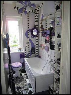 Extreme Burton-ish Organized bathroom makeover - HOME SWEET HOME - Knitting, sewing, crochet, tutori Tim Burton Stil, Sweet Home, Goth Home Decor, Gothic House, My New Room, Apartment Design, My Dream Home, Room Inspiration, Decoration