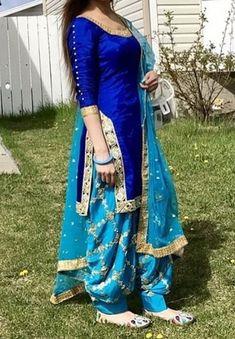 Latest Punjabi Suit Designs Salwar Designs, Patiala Suit Designs, Blouse Designs, Punjabi Salwar Suits, Punjabi Dress, Designer Salwar Kameez, Punjabi Fashion, Indian Fashion, Indian Outfits