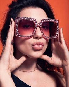 d9b70c253ce3f Dua Lipa Sunglasses Instyle Magazine