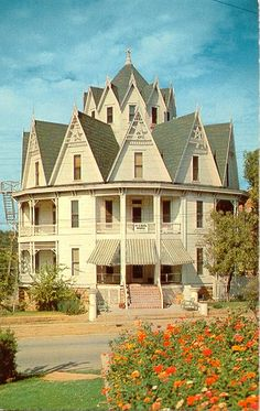 Hexagon Hotel, Mineral Wells, Texas :: the hotel, ca. 1897, was made up of hexagon-shaped rooms surrounding a central hexagon core with a spiral staircase. Demolished in late 1950s...