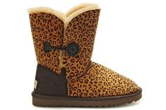 2016 new style cheap Ugg Boots Outlet,Discount cheap uggs on sale online for shop.Order the high quality ugg boots hot sale online. Ugg Snow Boots, Kids Ugg Boots, Ugg Boots Sale, Ugg Boots Cheap, Ugg Winter Boots, Rain Boots, Uggs On Sale, Uggs For Cheap, Buy Cheap