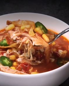 Soup and the slow cooker are natural combos, and this recipe for Tortilla Soup does not disappoint. Food Recipes For Dinner, Food Recipes Deserts Slow Cooker Huhn, Slow Cooker Soup, Slow Cooker Tortilla Soup, Mexican Tortilla Soup, Easy Hamburger Soup, Mexican Food Recipes, Healthy Recipes, Vegetarian Mexican, Healthy Food