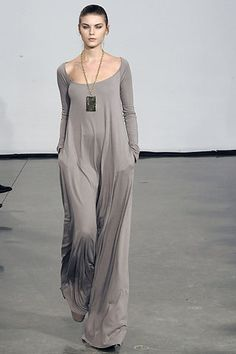 Halston Maxi - What a lovely neckline! And so comfortable! If only I had a time machine to go back to Fall 2008's ready-to-wear collection.