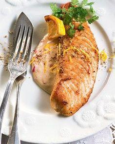 Filé de peixe com limão-siciliano (Foto: Iara Venanzi/Casa e Comida)