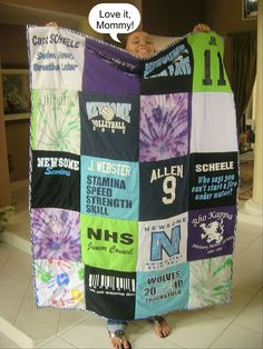 T-Shirt Quilt....with step by step instructions! What a beautiful idea for a kid going off to university.....use with old t-shirts or maybe even work in some old jerseys too. Who doesn't have a ton of those lying around?       huhuuh uh uhuh uh!! sorry just had a coughing fit. muhuh! MOM!!