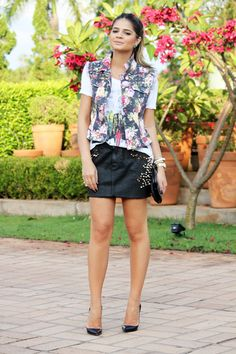 Black Skirt - Thassia Naves