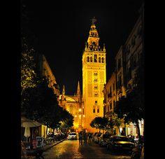 La Giralda de Sevilla Andalucia Spain, Marrakech, Big Ben, Building, Countries, Santa Cruz, Sevilla, Sidewalks, Sculptures