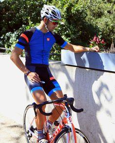 "278 To se mi líbí, 5 komentářů – TAYMORY (@taymory) na Instagramu: ""Think blue. Think of #collapse • #taymorybike #bikeit #bikeon #ride #road #blue #pluton…"""