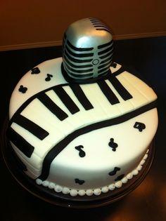 @KatieSheaDesign ♡❤ #Cake ❥  Music cake  Microphone