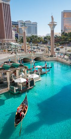 The Venetian Las Vegas has everything in one spot - luxurious accommodation, oodles of pools, delicious food, world-class entertainment, ultimate relaxation and retail therapy. Is it possible to spend an entire vacation in one Las Vegas hotel? TravelWithBender.com #lasvegasfamilyholiday