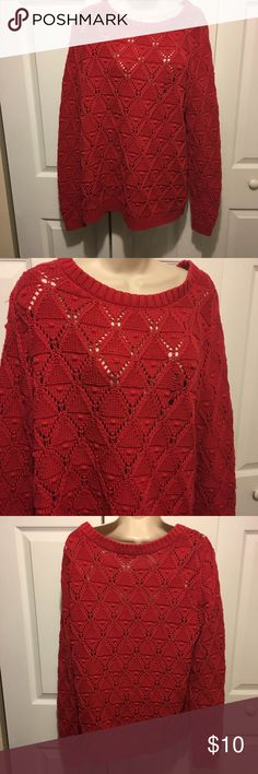 ✅2 for $15 red sweater Excellent condition. No tears, stains or marks. Combine with any item with a ✅ for a $15 bundle or add three more items for 30% Off Bundles. Sweaters Crew & Scoop Necks