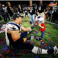 """""""Who's the tallest Patriot? Nate Solder. 6'8"""" 325 lbs. @thejimmyfund"""""""