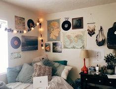 Diy nerdy home decor ideas picture 72 indie bedroom decor, indie dorm room, boho Dorm Rooms, House Rooms, Bed Rooms, Uni Room, Room Goals, Aesthetic Rooms, Boho Aesthetic, Dorm Decorations, Dream Bedroom