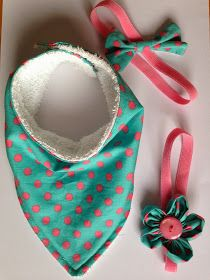 Dribble bibs DIY with free pattern from Bundles and Buttons