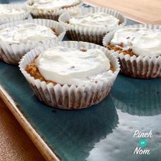 If you thought you'd eaten your last carrot cake after you started on your Slimming World journey think again! These little cakes are amazing….and syn free if you use the oats as your HEB! If you decide not to use your HEB then they will be 1 syn each. Slimming World Carrot Cake, Slimming World Desserts, Slimming World Recipes Syn Free, Cake With Cream Cheese, Cream Cheese Frosting, Carrot Spice Cake, Carrot Cakes, Sliming World, Clean9