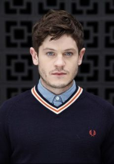Iwan Rheon, looking like he's about to play Cousin Kevin in Tommy on Broadway. Fred Perry Jumper, Winter Is Comming, Iwan Rheon, King In The North, Man Character, Its A Mans World, Boy Hairstyles, Before Us, Well Dressed Men