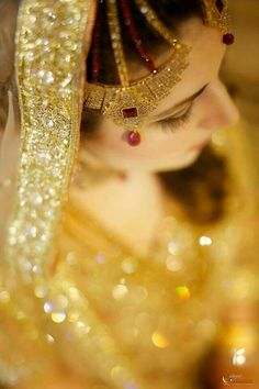 Beautiful Pakistani Dresses, Pakistani Wedding Dresses, Pakistani Bridal, Bridal Poses, Bridal Photoshoot, Wedding Girl, Sikh Wedding, Bridal Makeover, Asian Bridal