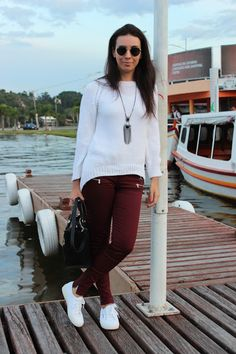 310c762eb7 Nanda Pezzi - Tricot + Calça marsala + Tênis branco Look Com Tenis Branco