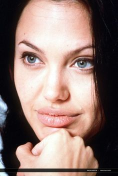 2000/06 - 'Gone in 60 seconds' press conference - 062000 Gone in 60 press 12 - Angelina Jolie Photo