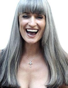 Manuela from ELB models - long silver grey hair Grey Hair Don't Care, Long Gray Hair, Pelo Color Gris, Silver White Hair, Grey Hair Inspiration, Salt And Pepper Hair, Pelo Natural, Ageless Beauty, Foto Art
