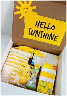 Hello Sunshine: A Happy Gift Idea box of sunshine Creative Gifts, Cool Gifts, Best Gifts, Amazing Gifts, Box Of Sunshine, Hello Sunshine, Craft Gifts, Diy Gifts, Diy Presents