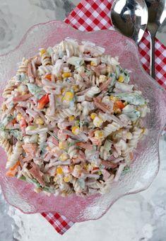 Enkel, krema pastasalat - LINDASTUHAUG Grains, Salads, Smoothie, Berries, Rice, Healthy Recipes, Healthy Food, Lunch, Ethnic Recipes