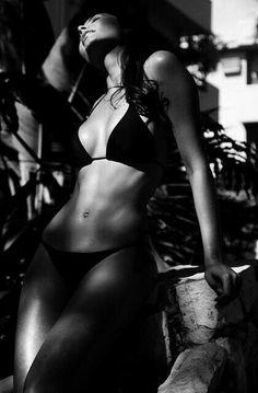 Bikini °`