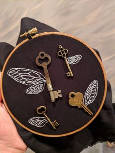 20 Ideas Embroidery Hoop Christmas Harry Potter For Ideas Embroidery Hoop Christmas Harry Potter For 2019 What is embroidery ? Generally, embroidery is really a special technique of texti. Embroidery Hoop Art, Cross Stitch Embroidery, Embroidery Designs, Hungarian Embroidery, Embroidery Jewelry, Hand Embroidery Patterns, Floral Embroidery, Fabric Crafts, Sewing Crafts