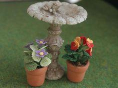 Dolls House Garden Bird Bath from The Wonham Collection. GA180.