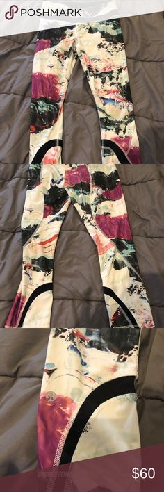 Lululemon Leggings Lululemon patterned leggins size 4 mid-high rise good condition wore only few times lululemon athletica Pants Leggings