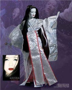 amazing Memoirs of a Geisha by Tonner Doll Company - from 2006 - Spring Dance Sayuri Tonner Doll Company #MemoirsOfAGeisha #MovieDolls #FashionDolls #TonnerDolls @Tonnerdoll