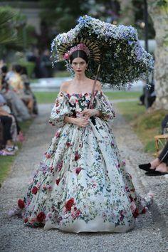 Look Fashion, Runway Fashion, Fashion Show, Winter Fashion, Vogue Fashion, Gothic Fashion, High Fashion, Style Couture, Haute Couture Fashion
