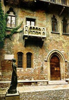 Verona - Juliet's balcony. Italy.