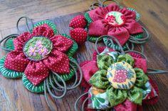 Broches Vermelhos!   by Verachitta