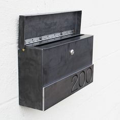 Hyde Park Custom Mailbox - locking modern steel mailbox - Bold MFG