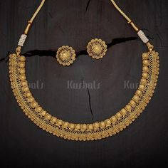 Designer antique necklace plated with synthetic stones and beads and made of copper alloy, plated with gold polish! Gold Mangalsutra Designs, Gold Earrings Designs, Gold Jewellery Design, Necklace Designs, Gold Designs, Indian Jewelry Earrings, Indian Jewelry Sets, Bridal Jewelry, Jewellry Box
