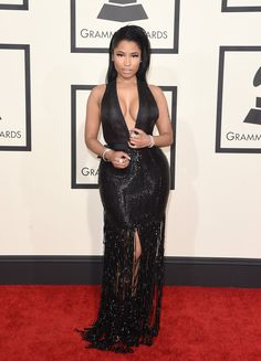 Grammys 2015: The Best Dressed Celebrities from the Red Carpet – Vogue.Nicki Minaj in Tom Ford. Tendencia noche escotes interminables.