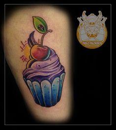 Tattoo cupcake newscholl feita pelo artista @goodart_tattoo que atende no Studio @monstershousetattoo em Moema. Faça já seu orçamento: (11) 981304777 (11) 50937134 #tattoo #newschool #goodart_tattoo #monstershouse #newschooltattoo #tatuajenewschool #fullcolortattoo #cupcake #cupcaketattoo #tattooed #animated #cartoon #tatts