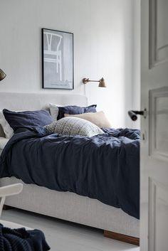 Doorway becomes bedroom shelf - via Coco Lapine Design