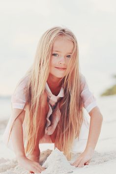 Find images and videos about cute, beautiful and hair on We Heart It - the app to get lost in what you love. Little Girl Models, Little Girl Outfits, Cute Girl Outfits, Little Girl Fashion, Child Models, World Most Beautiful Girl, Beautiful Little Girls, Cute Little Girls, Pretty Girls