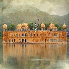 Jal Mahal Palace, Man Sagar Lake, Jaipur. India