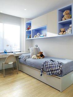 Molins Interiors // arquitectura interior - interiorismo - decoración - dormitorio - infantil - azul - niño - escritorio - silla