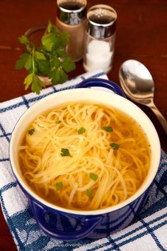 Ramen, Macaroni And Cheese, Catering, Spaghetti, Deserts, Food And Drink, Cooking Recipes, Meals, Ethnic Recipes