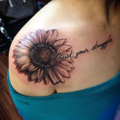 tatouages pour femmes pays - Tattoos for women - Tatouage Sunflower Tattoo Shoulder, Sunflower Tattoos, Sunflower Tattoo Design, Flower Tattoos On Shoulder, Unique Tattoos, Beautiful Tattoos, Small Tattoos, Awesome Tattoos, Rose Tattoos