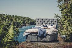 Zebran sammetssäng, säng, sammet, grå, möbler, sovrum, sova, täcke, kuddar, möbler, inredning