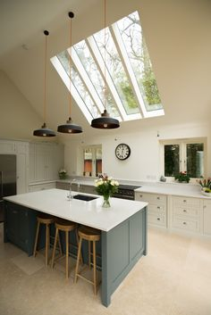 One of our recent kitchens, using our Shaker solid oak units. #shakerkitchens